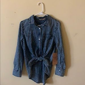 Highway Jeans, distressed tie front top, Size M